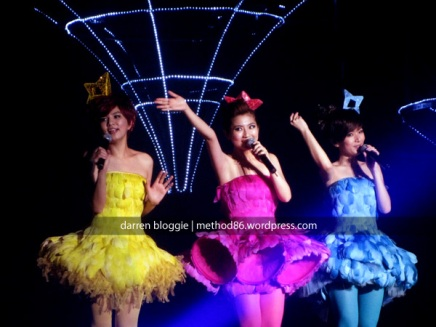 《S.H.E is the One SHERO 新加坡之旅》娱乐跟屁虫:S.H.E is the One Singapore Concert 2010