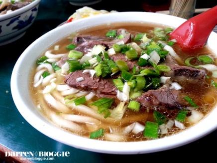 [台北演唱会初体验CONCERT IN TAIPEI!] 美食篇: 刘山东牛肉面 Liu Shan Dong BeefNoodles