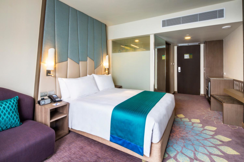 Holiday-Inn-Express-Bangkok-Sukhumvit-11_Queen-Bed