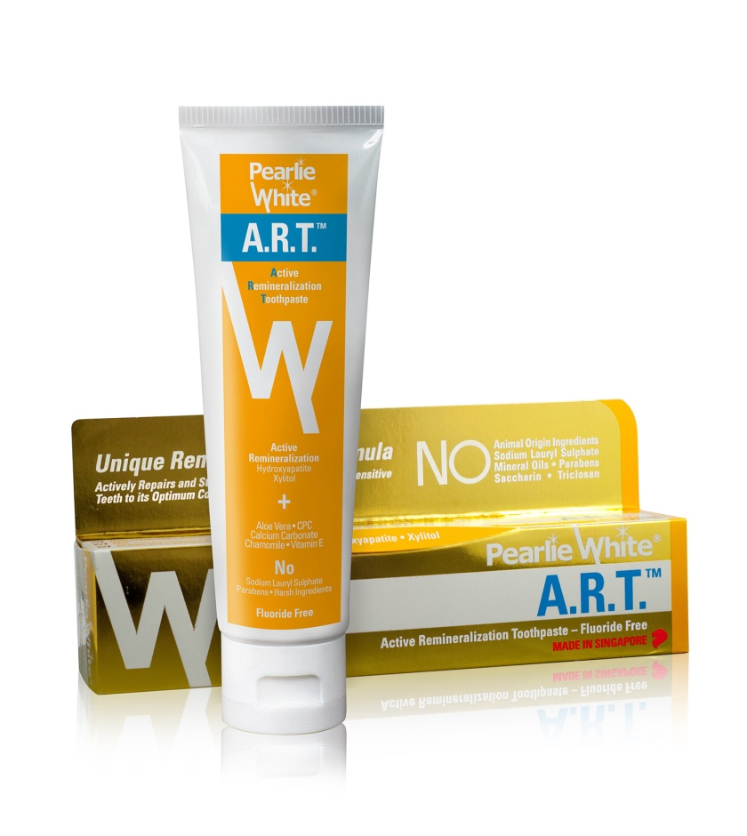 Pearlie-White_A.R.T_Active-Remineralization-Toothpaste-(credit-to-Pearlie-White)-(2)