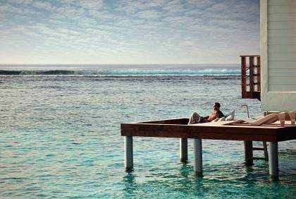 HolidayInnResortKandoomaMaldives_villa-private-sundeck